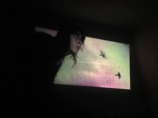 """Experimentos con la realidad, ciclo simultáneo de performance: """"Miedo Cerval"""" de Julissa Massiel No Lugar – Arte contemporáneo Sábado 5 de marzo Ph: Tián Sánchez https://sinteatro.com/"""
